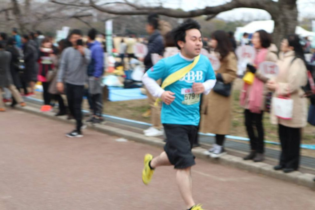 神戸マラソン初参加のQBBランナーを紹介しています。