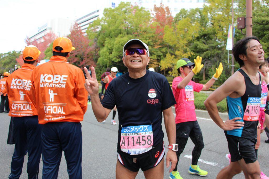 神戸マラソンゴール直後の小田さん