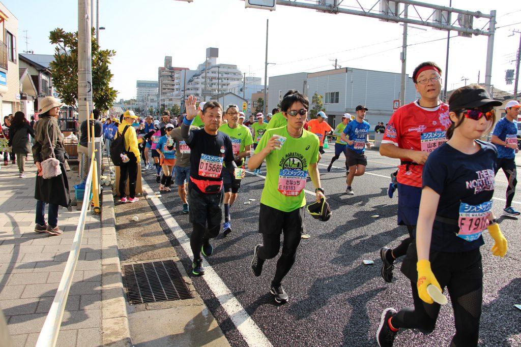 いつもほんわかムードの神戸マラソン時のQBBランナー